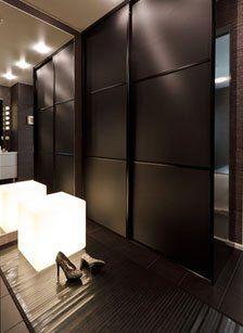 #Ankleidezimmer #Moree #illuminated cube #dressing room #schlafzimmer ideen # schlafzimmereinrichtung  Cube lumineux dans la chambre pour une ambiance sensuelle et chic