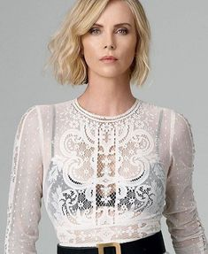 Charlize Theron Makeup Charlize Theron Source by Monica Belluci, Atomic Blonde, Woman Crush, Girl Pictures, Girl Pics, Beautiful Actresses, Hair Beauty, Celebrities, Up Dos