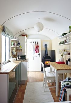 Happy Day Vintage: Moblie Home Monday - Ikea Airstream Rv Living, Tiny Living, Interior Ikea, Interior Design, Mini Loft, Holiday Trailer, Camping Con Glamour, Small Wood Burning Stove, Road Trips