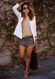 Look: Blazer & Shorts - Moda it Look Blazer, Blazer And Shorts, Grey Shorts, Short Shorts, Long Pants, Pastel Outfit, Neutral Outfit, Neutral Colors, Clavicut