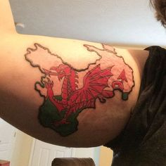 This combination of a Welsh flag and map. Body Art Tattoos, I Tattoo, Welsh Tattoo, Wales Dragon, Welsh Lady, Wales Flag, Shoulder Tats, Dragon Artwork, Celtic Tattoos