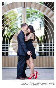 http://www.rightframe.net – Hawaii sexy engagement photography in downtown Honolulu. Hawaii, Oahu, couple, engagement, photographer, photography, photographers, professional.