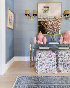 Nothing makes an entrance as well as grasscloth and our Dusty Blue adds the perfect neutral shade for a warm welcome. Home Living Room, Living Room Decor, Living Spaces, Bedroom Decor, Blue Rooms, Blue Walls, My New Room, Home Decor Inspiration, Home Goods