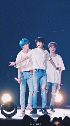 Love yourself tour in Singapore Jungkook V, Bts V And Suga, Bts Kim, Vlive Bts, Bts Bangtan Boy, Namjoon, K Pop, Foto Bts, Fanmeeting Bts