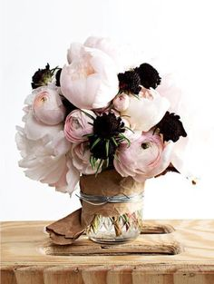 Bouquet by Taylor Tomasi Hill of TTHBlooms inspired by Balenciaga My Flower, Fresh Flowers, Beautiful Flowers, Thistle Flower, Black Flowers, Silk Flowers, Spring Flowers, Deco Floral, Arte Floral