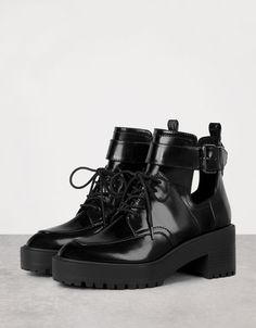 Mid heel cut out platform ankle boots - Boots & Ankle boots - Bershka Ukraine