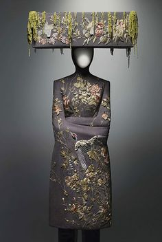 """I think it looks like a chassid decorated in flowers. """"Alexander McQueen savage beauty - 2011 wedding dress inspiration from the savage beauty exhibition at The Costume Institute of the Metropolitan Museum of Art, New York"""" Cl Fashion, Couture Fashion, Fashion Beauty, Fashion Design, Work Fashion, Asian Fashion, London Fashion, Dress Fashion, Alexander Mcqueen Wedding Dresses"""