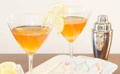 Epicure's Christmas Tea-tini (Christmas Tea on sale now! Fun Drinks, Alcoholic Drinks, Beverages, Epicure Recipes, Christmas Tea, Brewing Tea, Martini, Vodka, Recipies