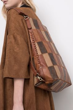 Leather Bags Handmade, Leather Craft, Leather Bag Pattern, Diy Bags Purses, Bag Pattern Free, Leather Accessories, Wallets For Women, Backpack Bags, Leather Handbags