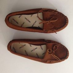 NWOT Minnetonka soft sole moccasins Super comfy inside shoes!! No hard soles but they do have cushion! These are the best just a bit too small for me! Minnetonka Shoes Moccasins
