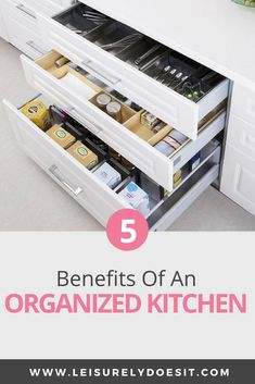 Here are seven genius organizing ideas for deep kitchen drawers and kitchen storage inspiration. Deep Drawer Organization, Home Organization Hacks, Organizing Your Home, Kitchen Organization, Organized Kitchen, Organizing Ideas, Kitchen Storage, Decluttering Ideas, Household Organization