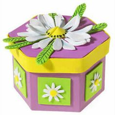 Spring Daisy Gift Box | Craft Ideas & Inspirational Projects | Hobbycraft