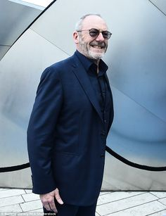 Davos Seaworth: Liam Cunningham looked very Hollywood in a pair of shades Game Of Thrones Premiere, Liam Cunningham, Game Of Throne Actors, Backless Gown, Hot Cops, Davos, Alley Cat, Character Profile, Maisie Williams