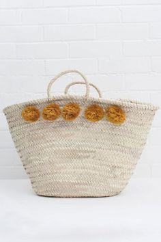 5e545c47d 15 melhores imagens de Bolsas de palha | Basket, Baskets e Beach bags