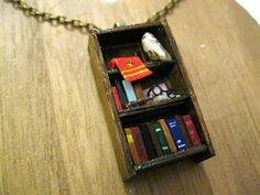 Harry Potter Bücherregal Collier Gryffindor von Coryographies