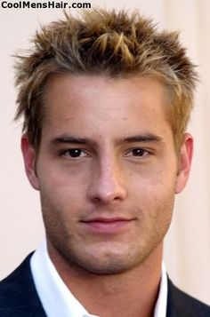 Photo of Justin Hartley spiky blonde hairstyle for men with thick hair. Mens Hairstyles Thin Hair, Cool Short Hairstyles, Hairstyles For Round Faces, Cool Haircuts, Haircuts For Men, Men's Hairstyles, Men's Haircuts, Oval Face Men, Short Hair Man