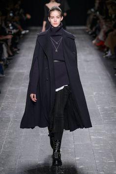 Pin for Later: Les 9 Plus Grandes Tendances Sorties de la Fashion Week de Paris  Valentino