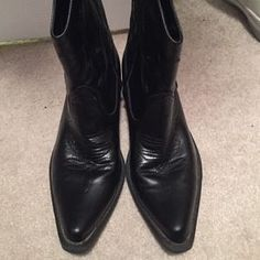 I just discovered this while shopping on Poshmark: Black cowboy boots. Check it out!  Size: 9