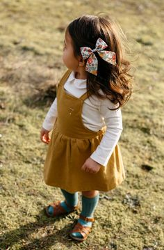 Click to shop handcrafted hair bows by Wunderkin Co. The perfect hair bow to embolden your baby, toddler or little girls free spirit and individual style. Handmade by women in the USA and guaranteed for life.