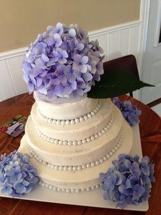 Wedding cake with hydrangea