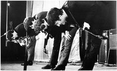 23 The famous bow down at The Royal Command Performance at the Prince of Wales Theatre in London, in the presence of the Queen Mother and Princess Margaret. The Beatles november 4th, 1963_1P