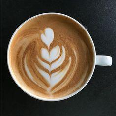 Übung macht den Meister: Latte Art kommt nicht von ungefähr.