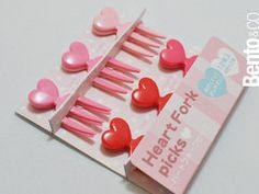 Picks Heart is a set of 12 heart-themed little picks shaped like tiny forks. $3.00