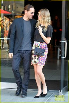 Google Image Result for http://www4.images.coolspotters.com/photos/936909/kate-bosworth-and-proenza-schouler-ps1-chain-wallet-gallery.jpg