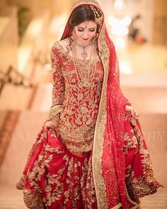 Pakistani Bridal Dresses 2018 - Latest Mehndi, Barat & Walima Dresses for Bride on Wedding Day - Conventional dressing for brides includes Gharara and Lehen Pakistani Bridal Dresses Online, Bridal Dresses 2018, Pakistani Bridal Wear, Pakistani Wedding Dresses, Pakistani Outfits, Bridal Outfits, Bridal Lehenga, Indian Bridal, Party Dresses