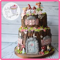 i live the tree stump look fairy garden girl cake, fairy cake! i live the tree stump look cakes to make! in Fairy cake! i live the Fairy House Cake, Fairy Garden Cake, Garden Cakes, Fairy Cakes, Garden Snail, Fondant Tree, Bolo Fondant, Fondant Cakes, Bolo Glamour
