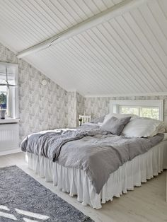 Ideas and inspiration English Country Style, Country House Interior, Attic Rooms, My New Room, Log Homes, Decoration, Building A House, Master Bedroom, Guest Room