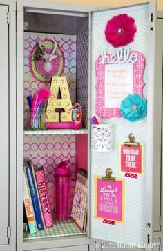 We've gathered the BEST Back to School DIY projects and ideas for Teens and Tweens! From set yourself apart locker decorations to show off your personal style – to perso… - The Best of Diy Ideas Cute Locker Decorations, Cute Locker Ideas, Diy Locker, Girls Locker Ideas, Locker Stuff, Locker Crafts, Schul Survival Kits, Middle School Lockers, Decorated School Lockers