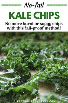 Healthy Snacks Baked kale chips ~ Utterly addictive and *so* good for you! This streamlined recipe makes perfect kale chips super simple, with an energy-saving twist and technique for resuscitating soggy chips. Chips Kale, Making Kale Chips, Baked Kale Chips, Healthy Kale Chips, Roasted Kale Chips, Spinach Chips, Homemade Kale Chips, Gourmet Recipes, Salads