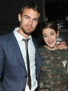 Shailene Woodley Photos - Theo James and Shailene Woodley attend the Marie Claire & The Cinema Society screening of Summit Entertainment's 'Divergent' after party at The Wayfarer on March 2014 in New York City. - 'Divergent' Afterparty in NYC Theo James, James 4, Divergent Insurgent Allegiant, Divergent Trilogy, Shailene Woodley, Celebrity Twins, Film Trilogies, Movie Couples, Veronica Roth