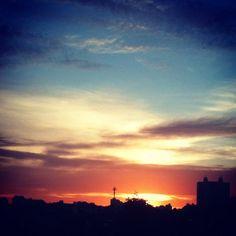O amanhecer do dia santo no Alto da Lapa