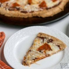 Craving pizza but without all the carbs? With this easy almond flour pizza crust, you can enjoy fresh homemade pizza that's low carb and keto friendly. Baking With Almond Flour, Almond Flour Recipes, Coconut Flour, Healthy Recipes, Dog Recipes, Low Carb Recipes, Bread Recipes, Pizza Recipes, Chicken Recipes