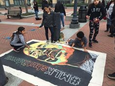 @juliacarriew  4h4 hours ago Kids do art project at #oaklandfederalbuilding while protester sings song about Ferguson & Gaza #3rdWorld4BlackPower pic.twitter.com/PGxqwcRzzR