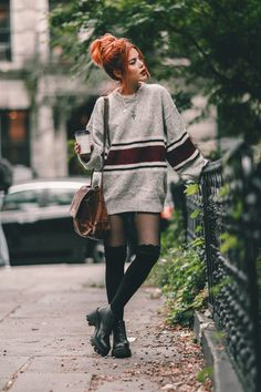 10 Basics Of Grunge Style And Modern Interpretation : mekfashions Style Grunge Outfits, Edgy Outfits, Mode Outfits, Fashion Outfits, Mode Grunge, Grunge Style, Le Happy, Alternative Outfits, Alternative Fashion
