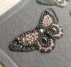 Сваровски кристаллы и жемчуг,японский бисер,чешский сатиновый,стразовая лента,ловкость рук...бабочка-аппликация.Авторская вышивка#украшение #бисер #бабочки #вышивка #embroidery #butterfly