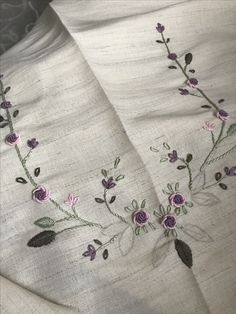 Embroidery Suits, Silk Ribbon Embroidery, Floral Embroidery, Embroidery Patterns, Hand Embroidery, Kerchief, Bargello, Indian Designer Wear, Bed Covers