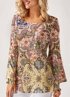 Womens Going Out Top Scoop Neck Flare Sleeve Printed Blouse Stylish Tops For Girls, Trendy Tops For Women, Blouses For Women, Women's Blouses, New Blouse Designs, Flare, Fashion Outfits, Womens Fashion, Ladies Fashion Tops