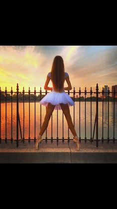 I think I'll start taking my pointe shoes on vacations just to take pics like this
