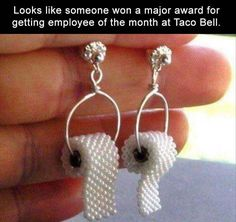 Toilet paper earrings, for those who give a crap. Beaded miniature TP rolls individually hand woven from tiny glass seed beads that look like pearls. Diy Jewelry, Beaded Jewelry, Handmade Jewelry, Jewelry Making, Jewellery, Unusual Jewelry, Paper Jewelry, Trendy Jewelry, Paper Earrings