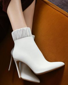 Intelligent New Ivory Bone Off White Size 6 39 Ruched Slouch Mid Heel Ankle Boots In Box Clothing, Shoes & Accessories Other Women's Intimates
