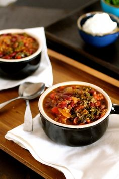 Searching for a #meatless chili option? Make this Spicy Bean Chili using Simple Truth Organic Quinoa and Kale.