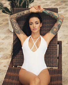 Tattooed Girl ♥️☆·mAx·☆♥️