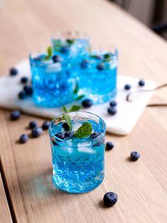 Summer Drinks, Cocktail Drinks, Cocktail Recipes, Cocktails, Drink Recipes, Fruit Champagne, Dessert Drinks, Desserts, Fun Deserts