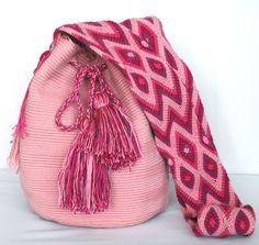 Crochet Bags, Hand Crochet, Knit Crochet, Trendy Accessories, Crochet Accessories, Quirky Girl, Floral Clutches, Tapestry Crochet, Handmade Design