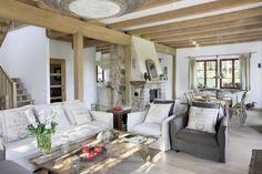 myidealhome:  rustic charme (via  Inspiring Interiors)