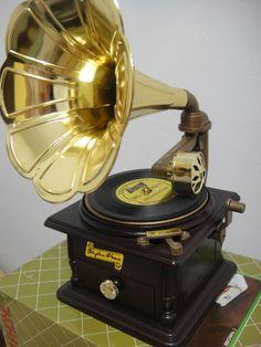 Gramofone - Cx De Musica À Corda - Novo - R$ 45,90 no MercadoLivre